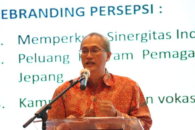 Dirjen Binalattas Kemnaker, Budi Hartawan, saat membuka Rapat Koordinasi Teknis Perencanaan Bidang Pelatihan dan Produktivitas TA. 2020 (Rakorteker Bidang Lattas 2020) di Makassar, Senin (19/10/2020).