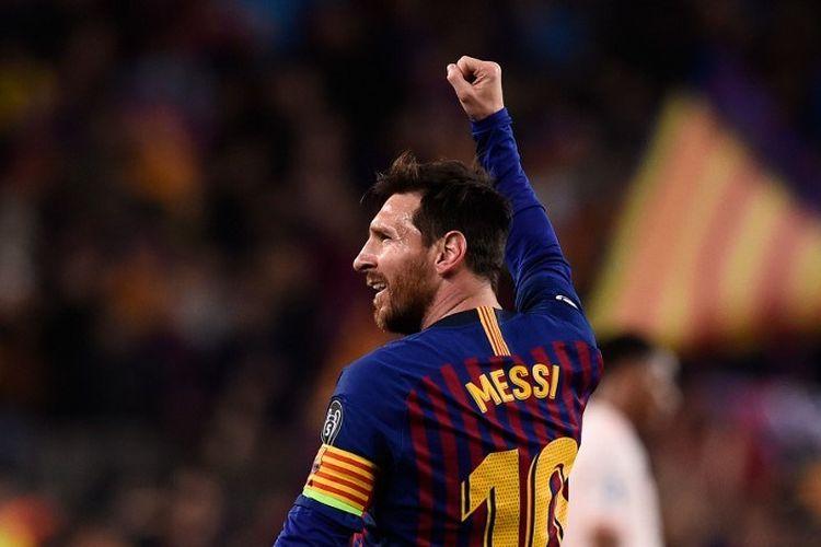 Lionel Messi merayakan golnya pada pertandingan Barcelona vs Manchester United dalam perempat final Liga Champions di Stadion Camp Nou, 16 April 2019.