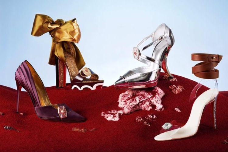 Keempat sepatu rancangan Chritian Louboutin yang terinspirasi dari film Star Wars: The Last Jedi.