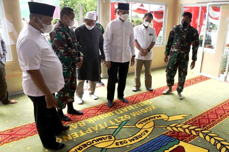 Wagub Sumut Musa Rajekshah meresmikan Mushala Al Musannif di Markas Komando Distrik Militer 0211/TT di Kota Sibolga.