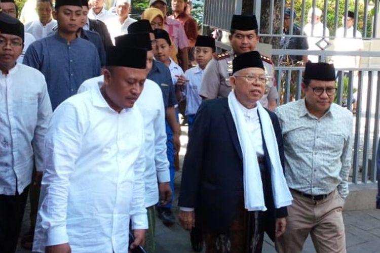 KH. Maruf Amin didampingi Ketua Umum DPP PKB, Muhaimin Iskandar, saat berada di Pesantren Tebuireng, Jombang, Jawa Timur, Senin (3/9/2018).