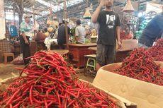 Harga Cabai 'Meroket', Pedagang di Pasar Induk Kramat Jati Mengaku Omzet Turun 40 Persen
