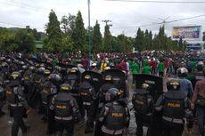 Tidak Ditanggapi, Demo Tolak Omnibus Law di Padang Sidempuan Ricuh, 7 Orang Terluka