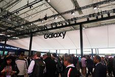 Mengunjungi Booth Samsung di MWC Barcelona 2018