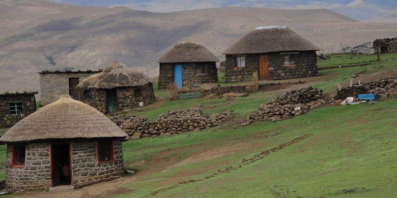 Sebuah desa di Lesotho.
