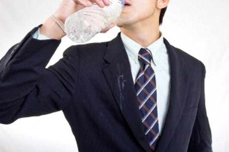 Ilustrasi air minum dalam kemasan