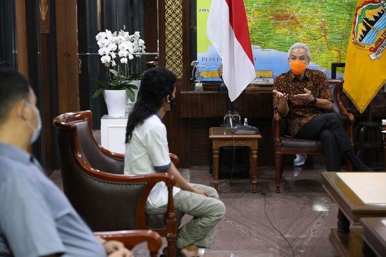Gubernur Jawa Tengah Ganjar Pranowo, saat menerima kedatangan sejumlah perwakilan seniman Jateng di kantornya, Rabu (5/8/2020).