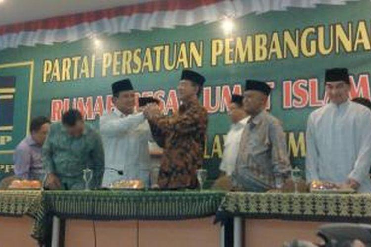 Suryadharma Ali mendukung pencapresan Prabowo Subianto sekaligus deklarasikan koalisi PPP-Gerindra dalam jumpa pers di DPP PPP, Menteng, Jakarta Pusat, Kamis (18/4/2014).