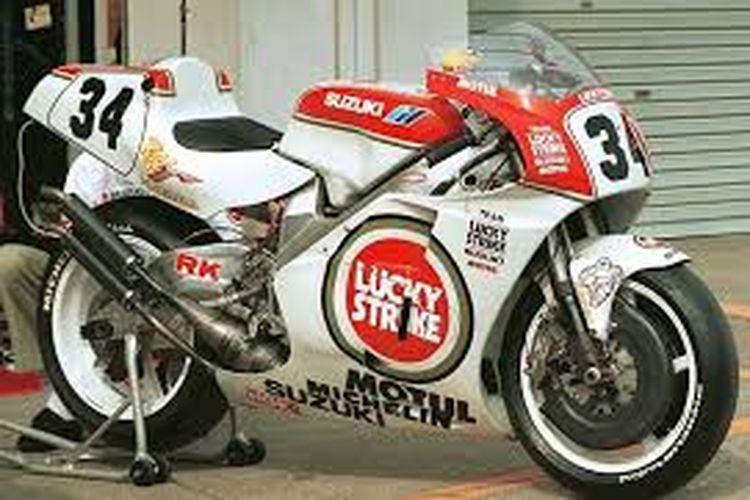 Suzuki RGV500 Lucky Strike