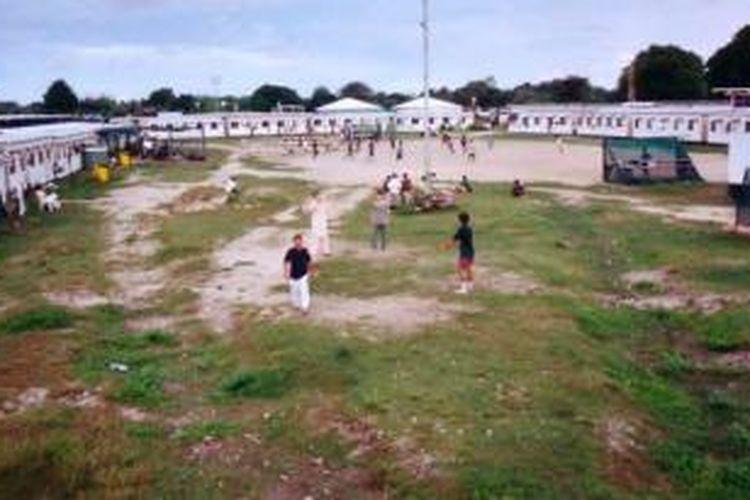 Negeri Pasifik kecil, Nauru, menjadi salah satu tujuan penampungan sementara para pencari suaka ke Australia.