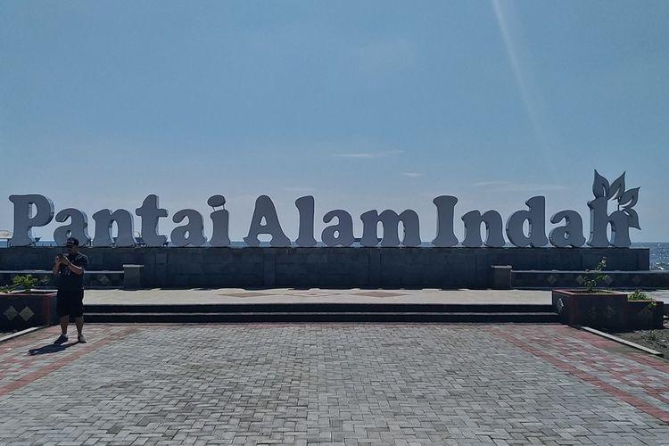 Pantai Alam Indah, Tegal, hasil jepretan Asus ZenFone Zoom S dengan lensa bersudut pandang normal (bukan tele).