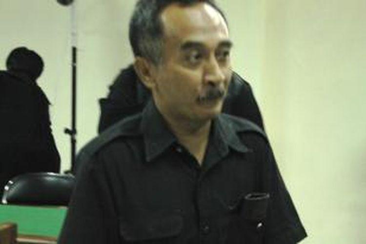 Mantan Kepala Pengadilan Negeri Batang Jawa Tengah, Pragsono usai dituntut pidana penjara 11 tahun. Dia mengatakan tidak apa-apa dituntut hukuman tinggi