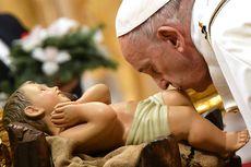 Gelar Misa Malam Natal, Paus Fransiskus Tekankan Cinta Tuhan yang