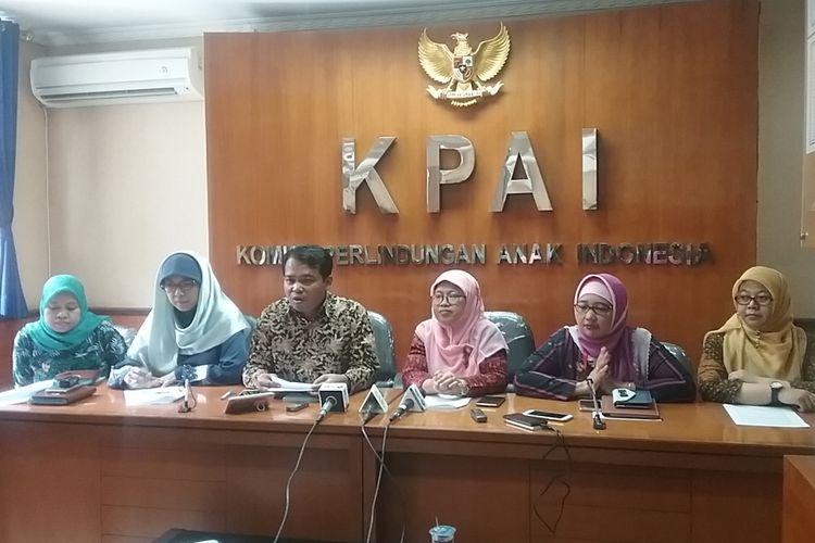 Komisi Perlindungan Anak Indonesia (KPAI) meminta DPR mencantumkan pelarangan iklan rokok dalam Undang-undang Penyiaran, Jakarta, Senin (16/10/2017).