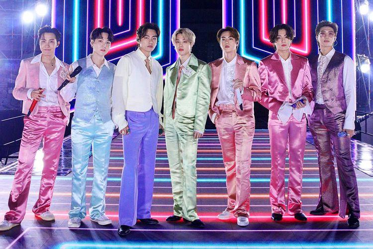 BTS saat tampil di AMA 2020. Jungkook cs membawakan lagu Life Goes On