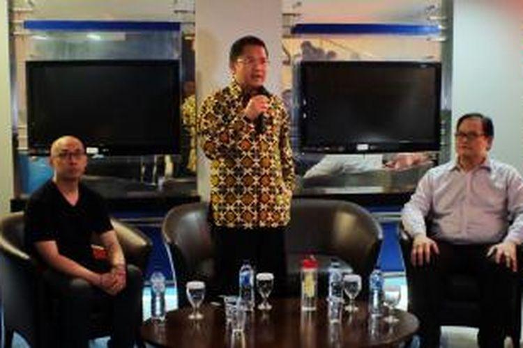 Chief Executive Kibar Kreasi Yansen Kamto, Menkominfo Rudiantara, dan Partner dari Convergence Ventures Donald Wihardja