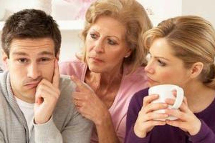 Tanda Calon Mertua Bakal Jadi Masalah Dalam Perkawinan