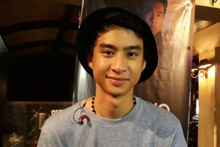 Devano Danendra, putra penyanyi dangdut Iis Dahlia, meluncurkan singel Ini Aku di Pisa Cafe, Menteng, Jakarta Pusat, Minggu (22/9/2018).