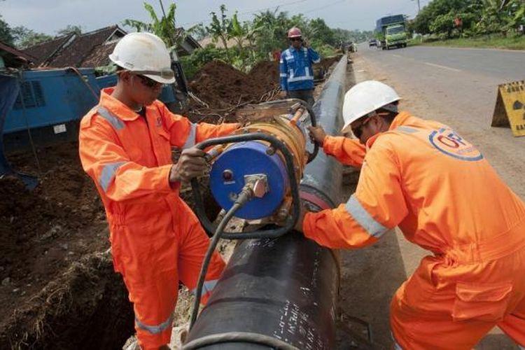 Pemasangan pipa gas PGN