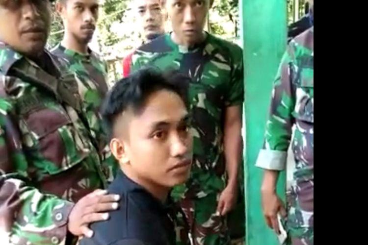 Pratu Iqbal Anggota TNI yang selamat dari insiden penyerangan Posramil Kisor