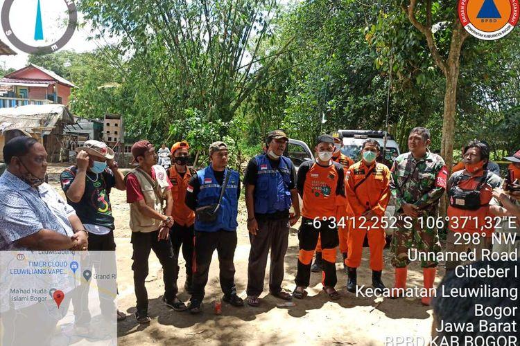 Dua anak perempuan tewas tenggelam usai merayakan ulang tahun di Kampung Gunung Tangkil Timur Rt. 01/05, Desa Cibeber, Kecamatan Leuwiliang, Kabupaten Bogor, Jawa Barat, Senin (22/3/2021).