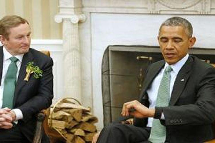Obama tertangkap kamera menggunakan smartwatch
