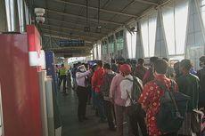 Antrean Penumpang di Stasiun Bojong Gede Berkurang Hanya Sampai Loket