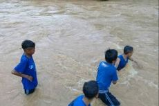 Kisah Pelajar Pedalaman Flores, Bertaruh Nyawa Menyeberangi Sungai
