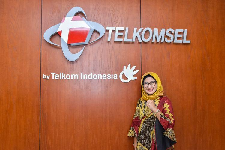 Emma Sri Martini diangkat sebagai Dirut Telkomsel menggantikan Ririek Adriansyah.