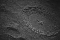 Foto Bulan Pertama yang Dipotret dengan Resolusi Tertinggi dari Bumi