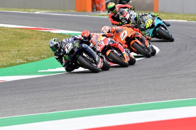 Maverick Vinales saat sesi kualifikasi pada MotoGP Italia 2021. (Photo by Tiziana FABI / AFP)