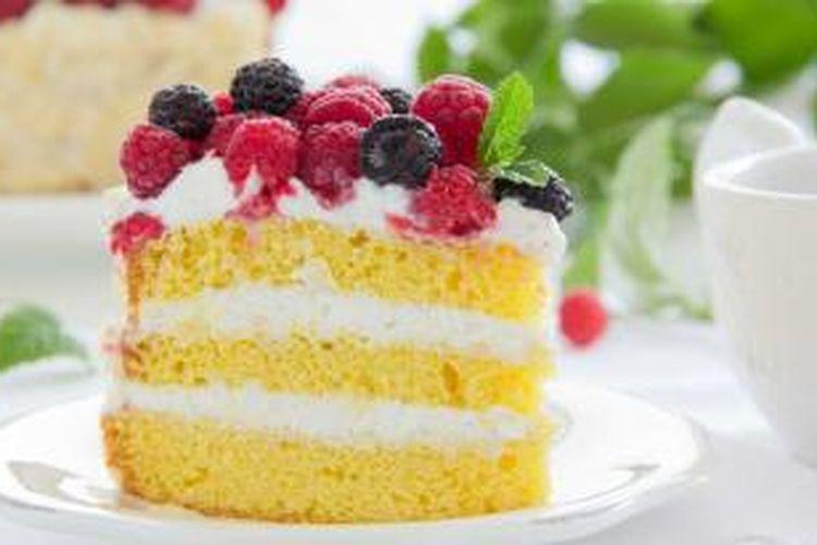 Adonan cake yang pecah masih bisa disiasati agar hasil cakenya sempurna.