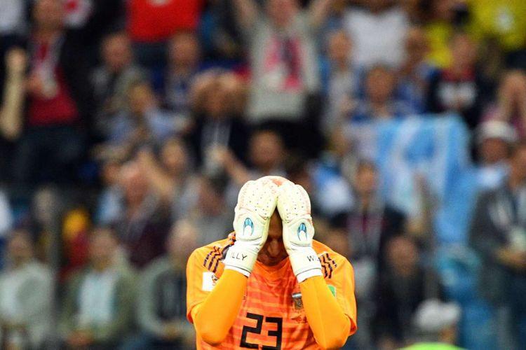 Reaksi Kiper Argentina Willy seusai gawang Argentina dibobol oleh Kroasia dalam babak penyisihan grup D Piala Dunia 2018, di Nizhny Novgorod, Kamis (21/6/2018) atau Jumat dinihari WIB. Kekalahan dengan skor 3-0 ini membuat Argentina di ujung tanduk.