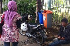 Sepeda Motor Dilarang Lewat, Tukang Ojek Mengetem di Trotoar