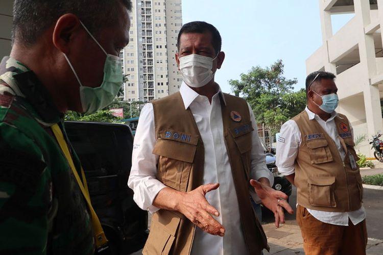 Ketua Satgas Penanganan Covid-19 Doni Munarno meninjau RS Darurat Wisma Atlet Kemayoran Jakarta
