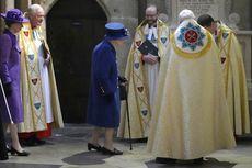 Kali Pertama di Acara Besar, Ratu Elizabeth II Gunakan Tongkat Jalan