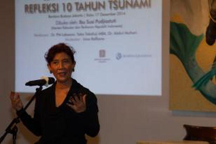 Menteri Kelautan dan Perikanan Susi Pudjiastuti saat menjadi pembicara kunci peringatan 10 tahun tsunami Aceh di Bentara Budaya Jakarta, Rabu (17/12/2014).