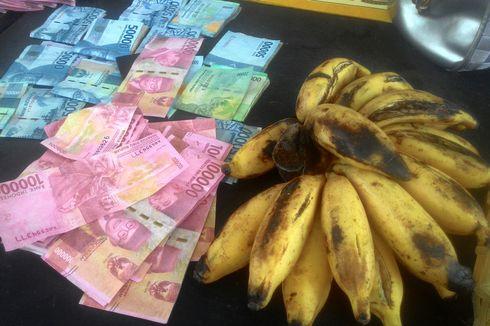 Hanya Bedakan Uang dari Warna, Mbah Rupi Tertipu Pengedar Uang Palsu