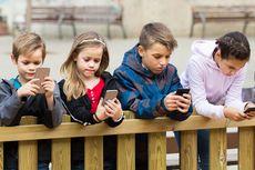 Pakai Gadget Tak Kurangi Kemampuan Sosial Anak