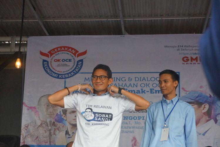 Sandiaga Uno saat mengisi acara Mentoring dan Dialog Kewirausahaan OKE OCE Millenials dan Emak-Emak di Lapak Ngopi, Jalan Panatayudha I, Kelurahan Nagasari, Kecamatan Karawang Barat, Kabupaten Karawang, Senin (18/2/2019).