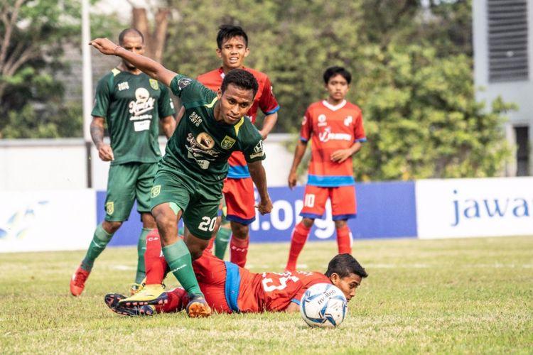 Penyerang Sayap Persebaya Surabaya, Osvaldo Haay.