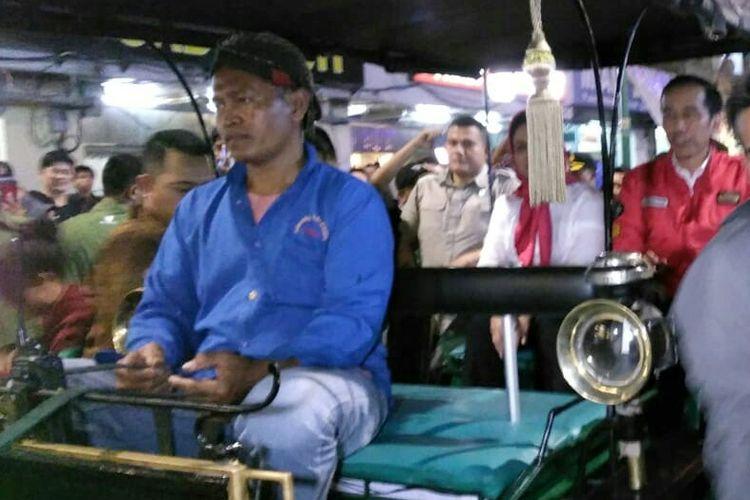 Surono saat mengantar Presiden Joko Widodo dan Ibu Negara Iriana menyusuri Jalan Malioboro menuju Istana Negara Gedung Agung