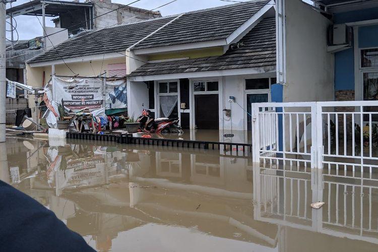 Banjir selama empat hari merendam perumahan Garden City Residence Periuk Kota Tangerang, Selasa (4/2/2020)