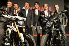 Rossi dan Lorenzo Perkenalkan Yamaha Model Baru di Italia