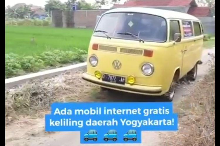 Tangkapan layar VW Combi keliling desa di Yogyakarta untuk internet gratis bagi pelajar.