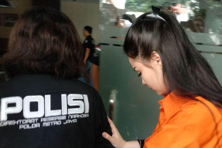 Jennifer Dunn resmi ditahan di Rumah Tahanan Narkoba Polda Metro Jaya, Sabtu (6/1/2017)