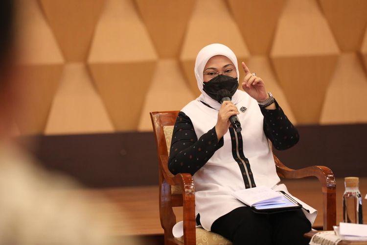 Menaker Ida Fauziyah saat menerima audiensi Dewan Pengawas dan Direksi Badan Penyelenggara Jaminan Sosial (BPJS) Ketenagakerjaan (BP Jamsostek) di kantor Kementerian Ketenagakerjaan (Kemnaker), Selasa (23/3/2021).