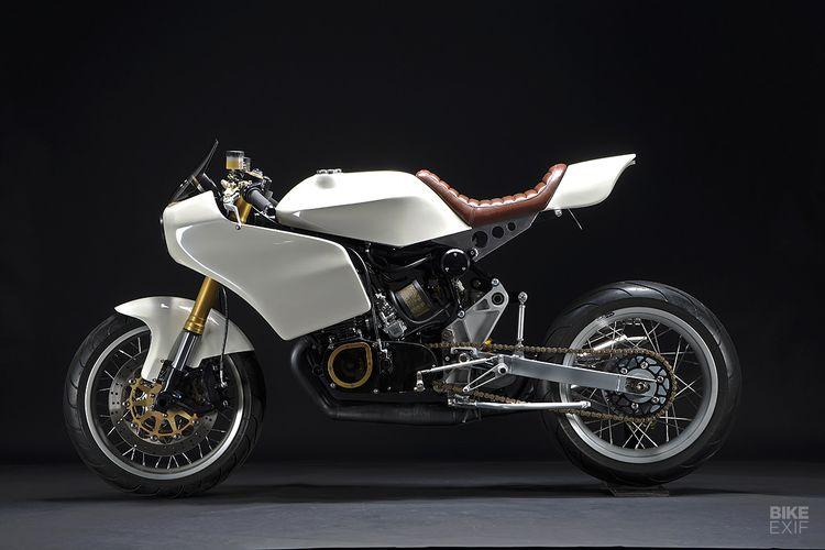 Suzuki GT380 bergaya cafe racer garapan The Motoworks