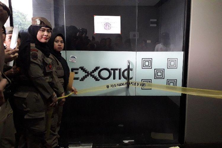 Diskotek Exotic yang terletak di Mangga Besar, Jakarta Pusat ditutup oleh Satpol PP pada Kamis (19/4/2018).