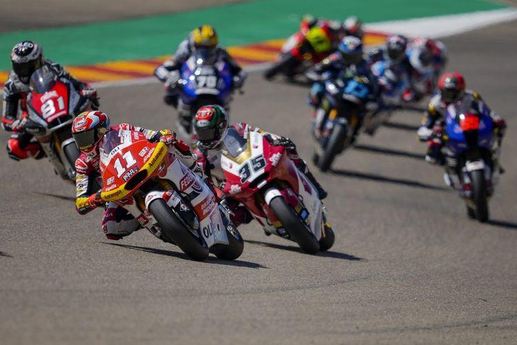 Pebalap Federal Oil Gresini Moto2 (FOGM2), Nicolo Bulega, saat balapan pada Moto2 Aragon 2021